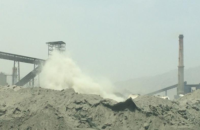 البيئة والمياه تغلق منشأه عاملة في مجال الأسمنت بالفجيرة