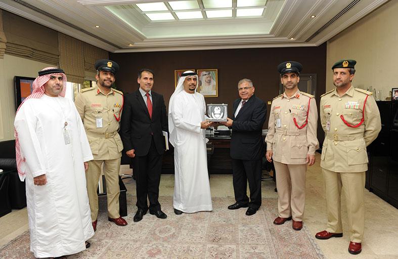 مدير المنظمة العربية للتنمية الإدارية يشيد بحقوق الإنسان في شرطة دبي