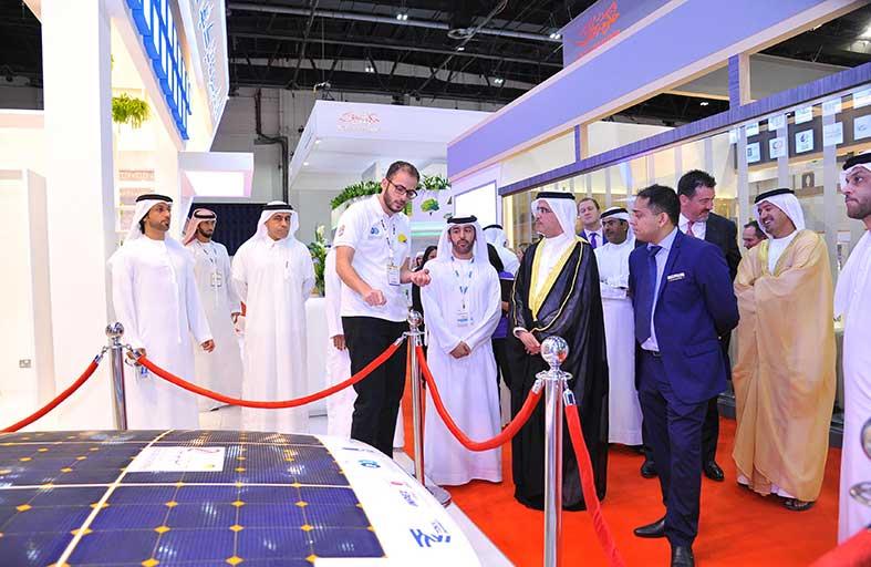المعهد البترولي يشارك في معرض الخليج للطاقة الشمسية ويستعرض سيارته الشمسية