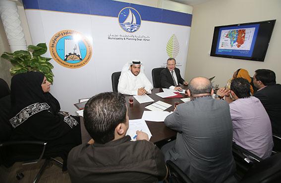 بلدية عجمان تعقد مؤتمرا صحفيا لإطلاق مشروع رسم الخريطة المائية للإمارة
