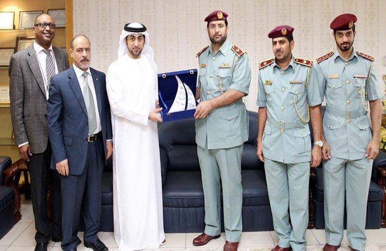 بلدية عجمان تكرم مجلس شرطة المدينة الشامل