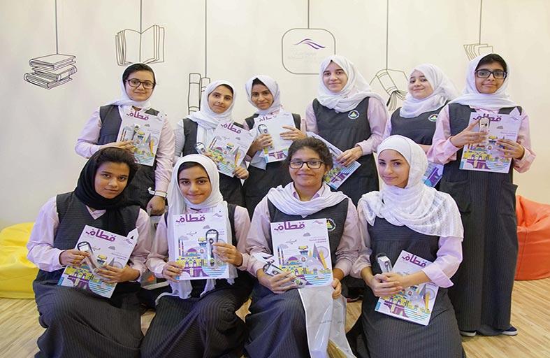 سجايا فتيات الشارقة تنظم ورشاً تفاعلية لتنمية مهارات الفتيات الإبداعية في الشارقة الدولي للكتاب