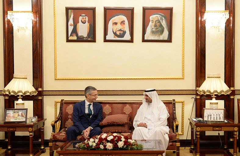 حاكم الفجيرة يلتقي رئيس شركة ستاندرد أند بورز جلوبال بلاتس العالمي