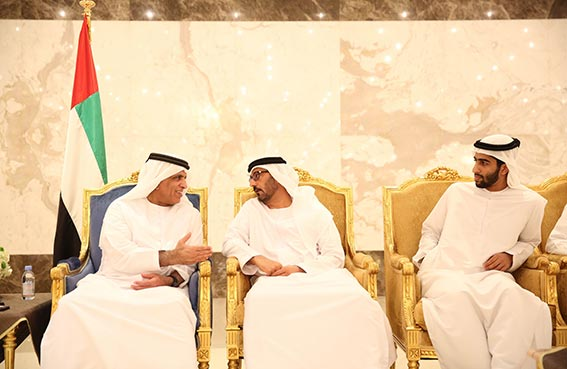 حاكم رأس الخيمة يتقبل تهاني وزير التربية والتعليم بحلول شهر رمضان