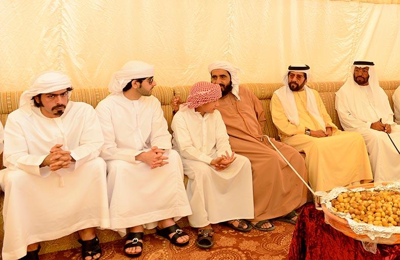 طحنون بن محمد يقدم واجب العزاء إلى أسرة مجند الخدمة الوطنية
