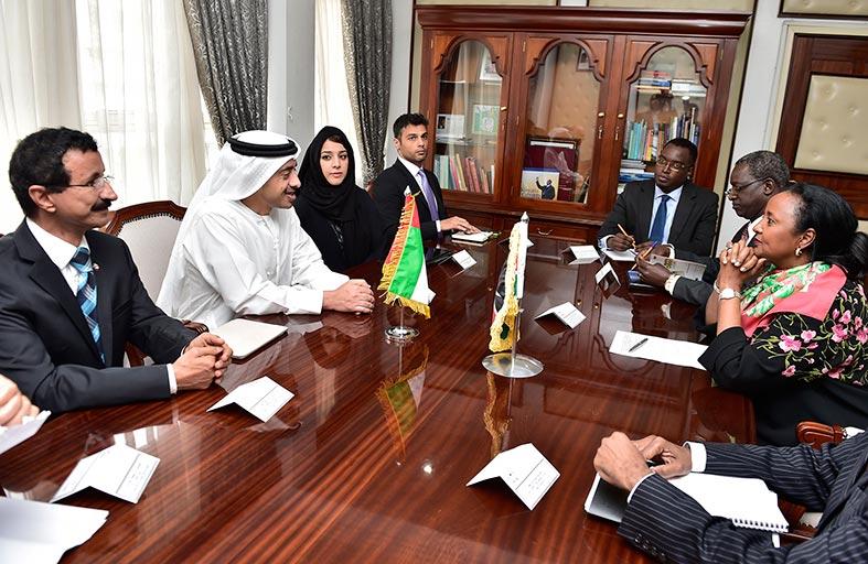 عبدالله بن زايد يلتقى وزيرة خارجية كينيا