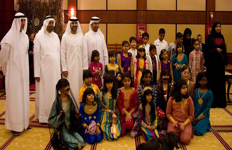 غرفة عجمان تحتفل مع موظفيها والمجتمع بـ «حق الليلة»