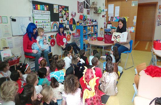 كلمات تحتفل باليوم العالمي للغة الأم بفعاليات في دبي والشارقة