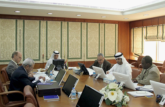 مركز عجمان للتوفيق والتحكيم التجاري يعقد اجتماعه الخامس لسنة 2013
