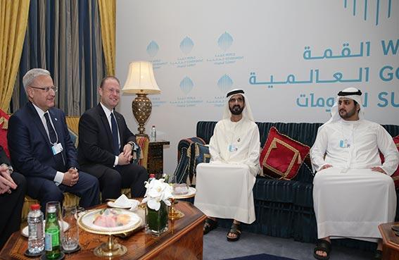 محمد بن راشد يبحث مع رئيس وزراء مالطا العلاقات الثنائية وسبل تعزيزها