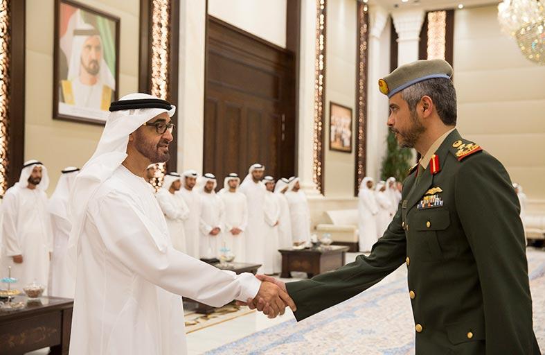 محمد بن زايد يشيد بأداء جنود الإمارات في كافة المواقع لواجباتهم ومسؤولياتهم الوطنية
