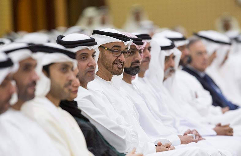 محمد بن زايد يشهد محاضرة «التحول الرقمي .. أين موقعنا»