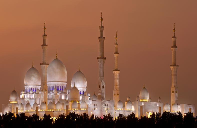 مركز جامع الشيخ زايد الكبير ينظم ثلاث محاضرات خلال أبريل الماضي