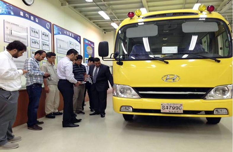 وفد إماراتي يزور مصنع إنتاج الحافلات  المدرسية بشركة هايونداي في كوريا الجنوبية