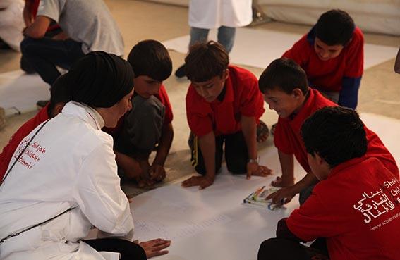 420 طفلاً لاجئاً يرسمون أحلامهم في بينالي الشارقة للأطفال 2017