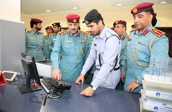 (13)  جهازاً للدفع الإلكتروني في شرطة الفجيرة