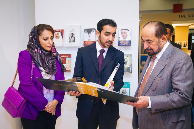 سلطان القاسمي يزور جناح مشروع ثقافة بلا حدود في معرض فرانكفورت الدولي للكتاب