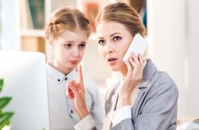 هكذا تشجعين طفلك الانطوائي على الحديث معك !