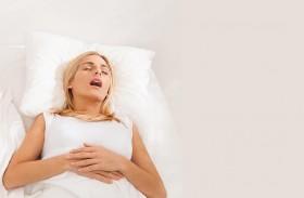 الشخير يرتبط بمرض خبيث لدى النساء!