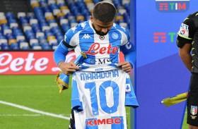 نابولي يكرّم مارادونا برباعية  في شباك روما