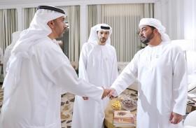 حمدان بن زايد يستقبل وفدا من بلدية الظفرة ويؤكد أهمية تقديم الخدمات المتميزة للمواطنين