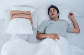 الشخير أثناء النوم مؤشر على الإصابة بالزهايمر