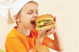 الوجبات السريعة تهدد الأطفال بسرطان القولون