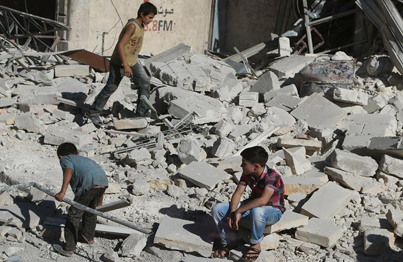 13 ألف مدني فروا من معارك منبج في سوريا
