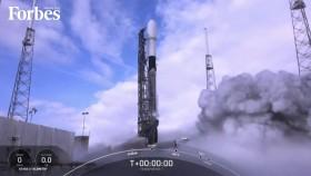سبايس اكس يرسل عددا قياسيا من الأقمار إلى الفضاء