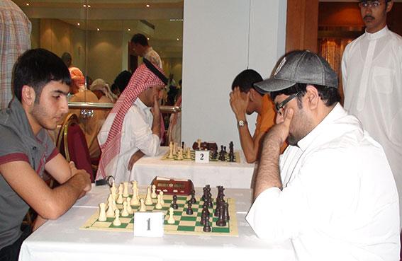 نخبة من أبطال العالم العربي للشطرنج من الجنسين تبدأ توافدها للبلاد اليوم