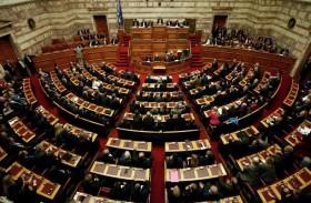 اليونان: اليمين المتطرف لا يندثر، وإنما يغيّر جلده...