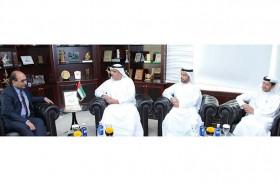 النائب العام في دبي يبحث التعاون مع قنصل الهند