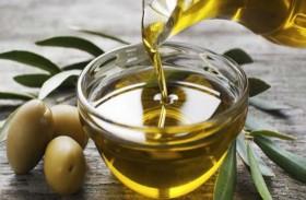 تناول زيت الزيتون يومياً يخفض فرص الأزمات القلبية والسكتات الدماغية