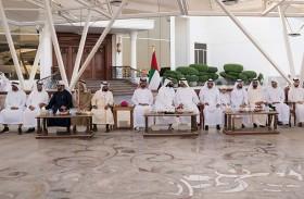 محمد بن راشد ومحمد بن زايد يستقبلان سلطان بن سحيم آل ثاني