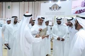 حامد بن زايد يزور معرض أبوظبي الدولي للصيد والفروسية