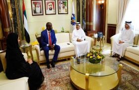 جمارك دبي تبحث تعزيز التعاون مع جنوب إفريقيا لزيادة حجم التجارة