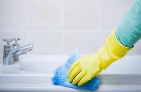 معجون الأسنان لتنظيف جدران الحمام؟