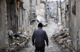 عام على معركة حلب.. مدينة مدمرة تلملم جراحها