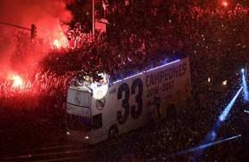 الآلاف من مشجعي ريال مدريد يحتفلون باللقب الـ33