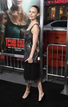 كيت بوسورث خلال حضورها العرض الأول لفيلم ( Tomb Raider ) في المسرح الصيني بهوليوود.  (ا ف ب)