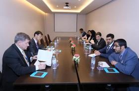 وزير الموارد البشرية يؤكد تميز النموذج الإماراتي في إدارة وحوكمة انتقال العمالة