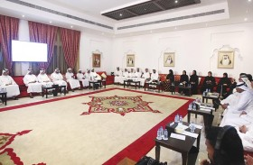 جائزة أبوظبي تنظم جلسة تعريفية في مجلس محمد خلف بأبوظبي