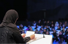 جواهر القاسمي تلتقي اليافعين والشباب في جلسة  «من يصنع المستقبل» خلال منتدى الاتصال الحكومي
