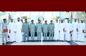 قائد عام شرطة رأس الخيمة يكرم الفرق المتميزة عطاء