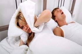 لماذا لا يستيقظ الإنسان من صوت شخيره؟