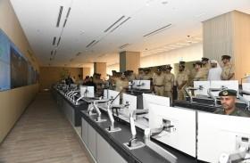 اللواء المري يتفقد غرفة عمليات الإدارة  العامة لأمن المطارات