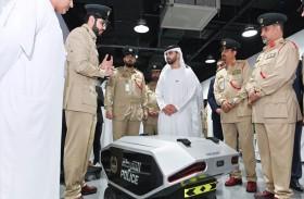 منصور بن محمد بن راشد يدشن مختبر الابتكار الأمني في شرطة دبي
