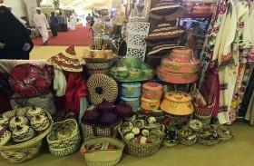 السوق الشعبي في مهرجان ليوا للرطب .. عبق الماضي الجميل