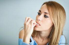قضم الأظافر يؤدي لتوغل البكتيريا