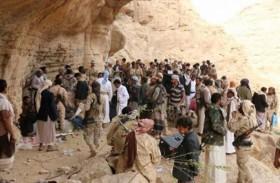جنود يقيمون زفافهم وسط الجبهة